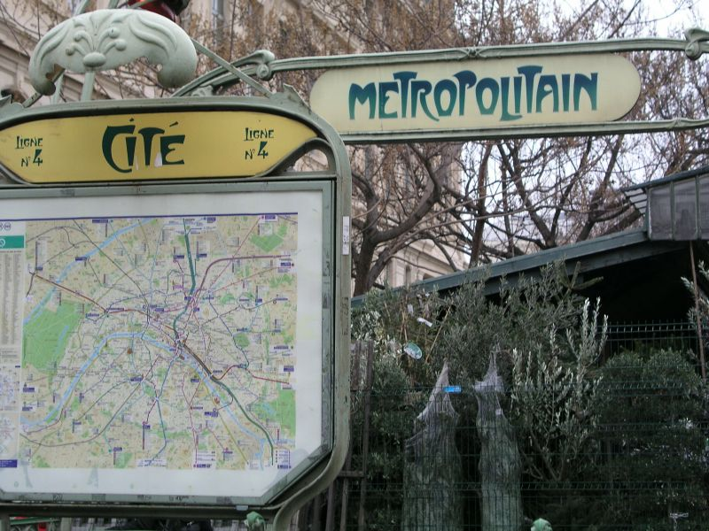 Metro Station Cité in Paris