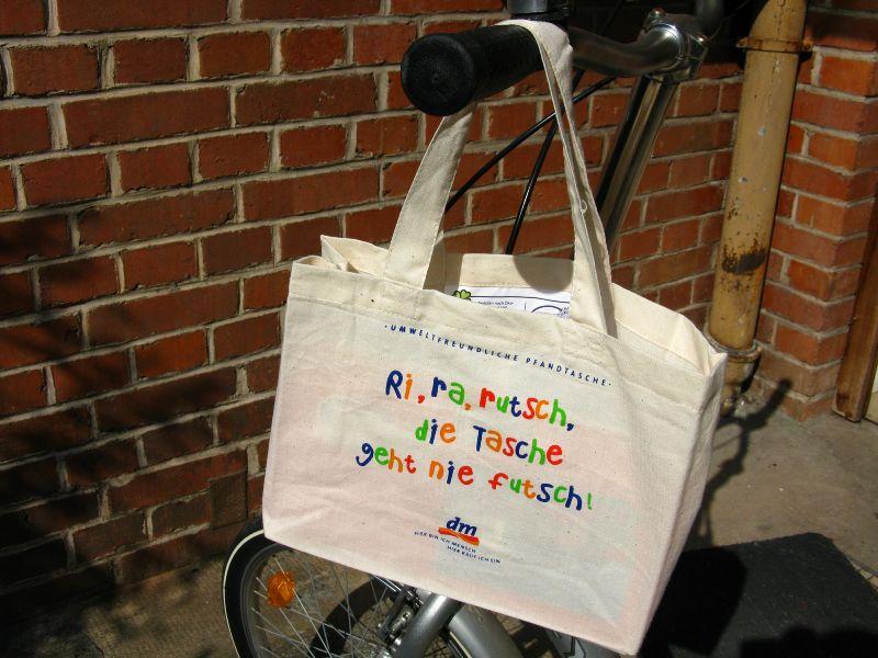 Optimale Tasche für Lenker und Senioren von dm