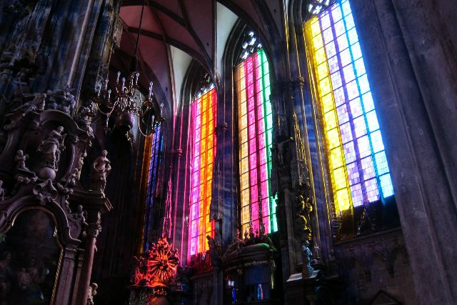 c6080003-stephansdom.jpg (69977 Byte)